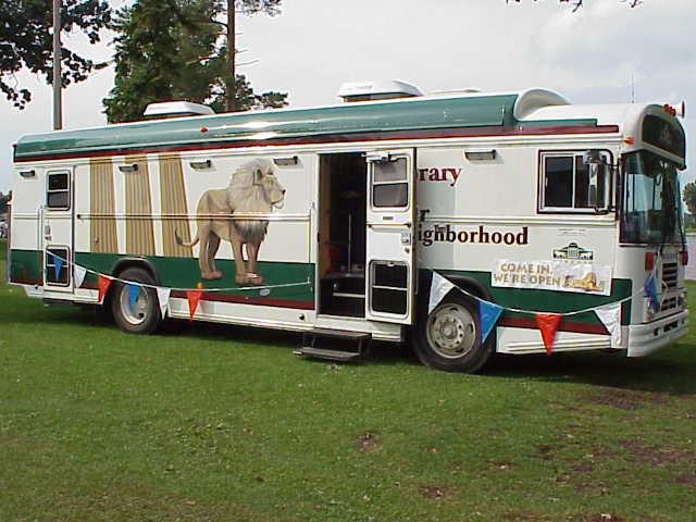 shakelake 090300 bookmobile