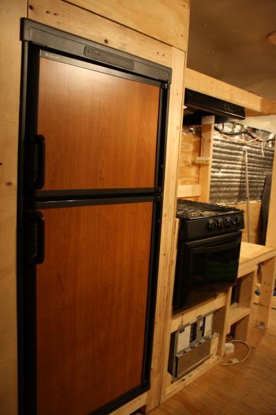 Fridge, stove and power unit