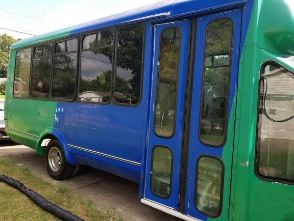 1. Passenger side. Only the bi-fold doors. 5 windows.
