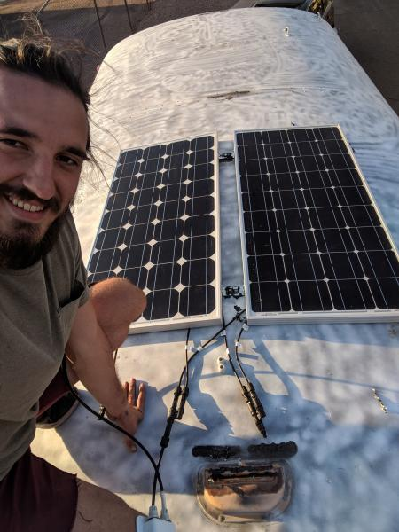200W Solar w/renogy wanderer solar charge controller