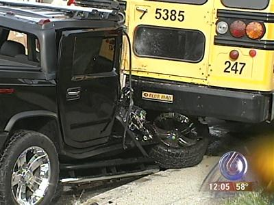 hummer accident3