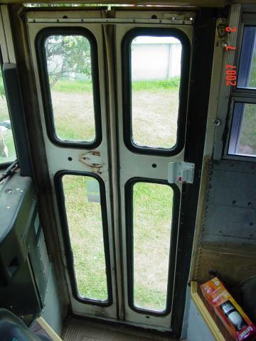 Bus%20Door4