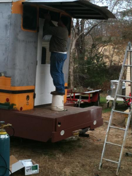 caboose roof up
