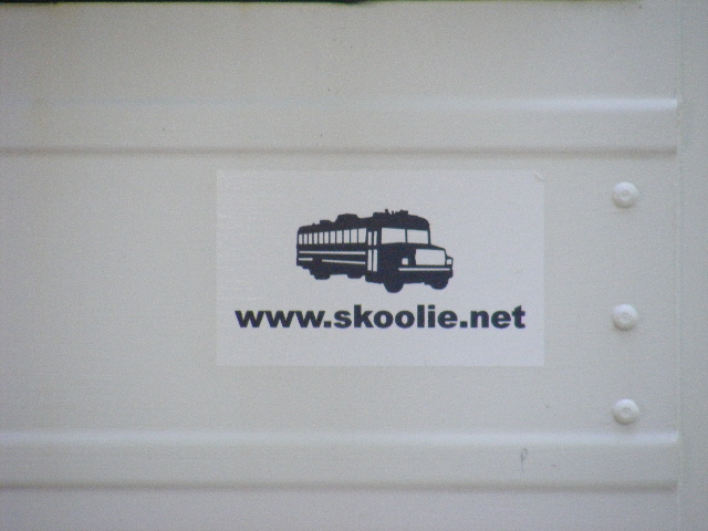 skoolie%20logo%20close