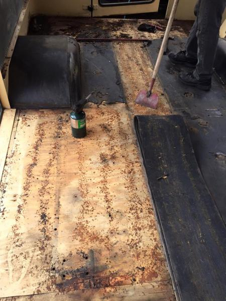 removing rubber floor