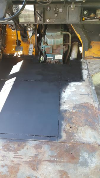 Redesigned trans cover and floor